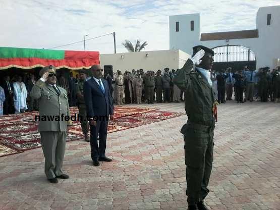 المدير العام للأمن الوطني رفقة وزير الداخلية يؤديان التحية للعلم الوطني