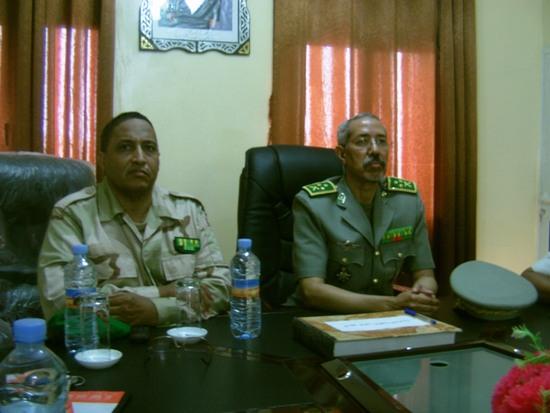 قائد الأركان العامة للجيوش المساعد وإلى جانب قائد الثانوية العسكرية