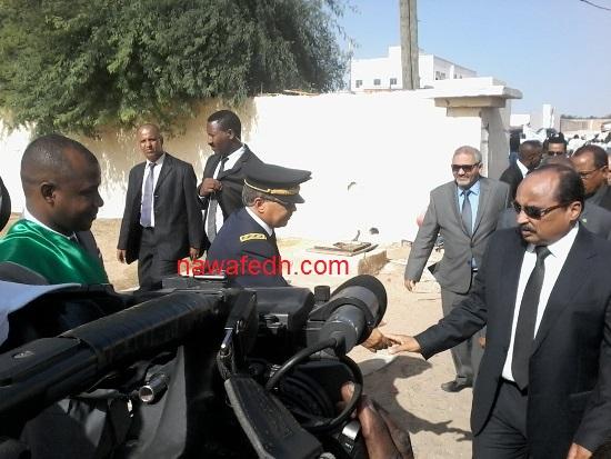 الرئيس لحظة وصول مركز تقييد السكان بلكصر