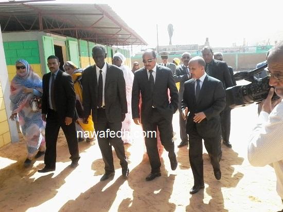 الرئيس خلال تجوله بالمدرسة رقم 2 بلكصر