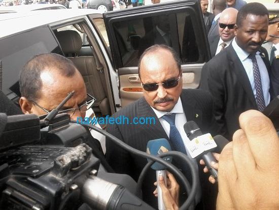 الرئيس ولد عبد العزيز خلال تصريحه للصحافة في ختام زيارته لتوجنين