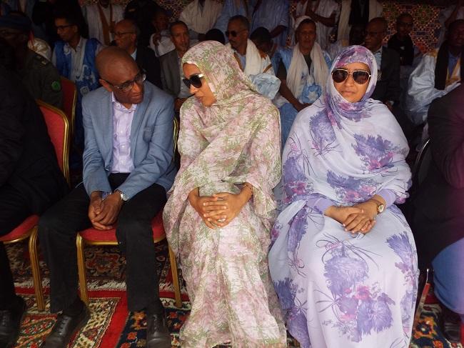 حديث حميمي بين وزيرة الإسكان ووزير الصحة