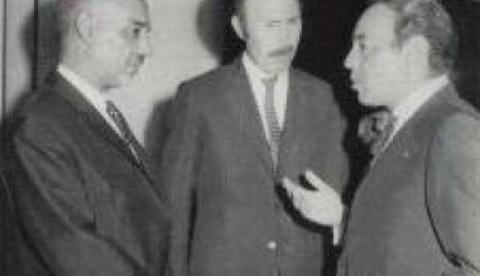 من اليمين الحسن الثاني وبومدين والمختار داداه