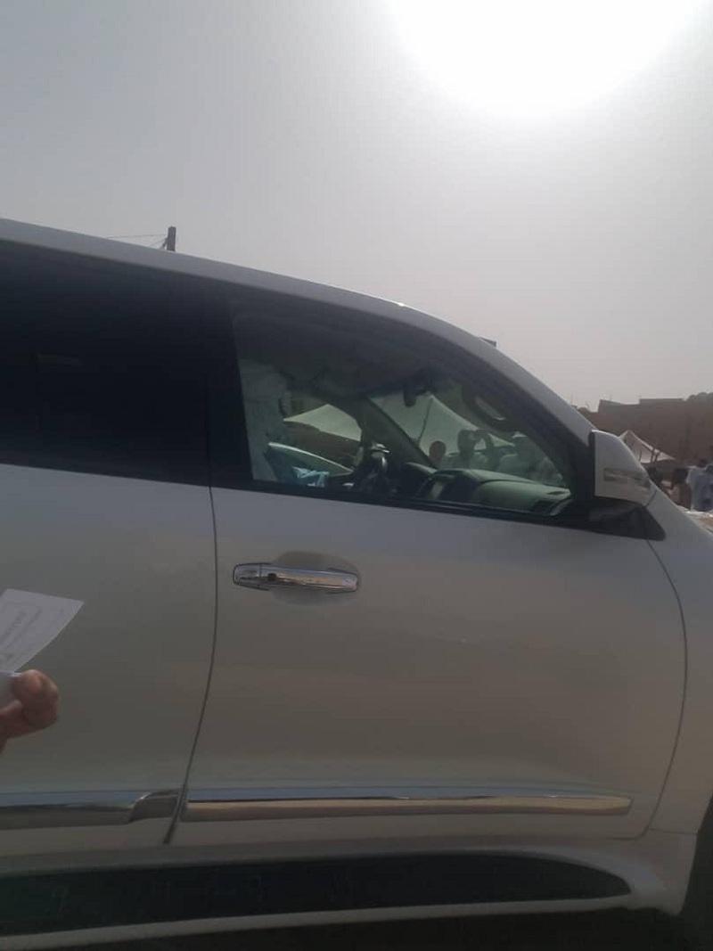 ولد حدمين أمام مركز ذي النورين في بلدية عرفات، والذي يضم عدد من مكاتب التصويت