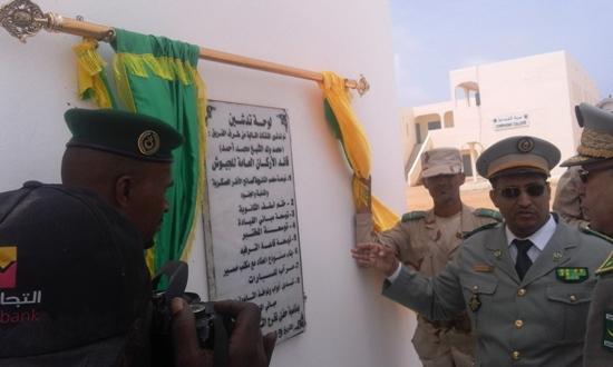 قائد الثانوية يقدم شروحا لقائد الجيوش عن المباني المدشنة