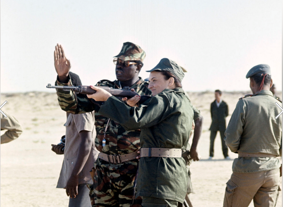 السيدة الأولى مريم داداه على جبهات القتال خلال حرب موريتانيا و بوليساريو نوفمبر 1977