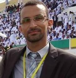 مقدم البرنامج الزميل عبد المجيد ولد إبراهيم